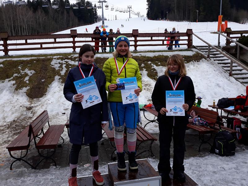 Magdalena Major mistrzynią i wicemistrzynią Krakowa w narciarstwie alpejskim.